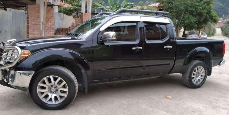 Camioneta nissan frontier (versión full)592974677
