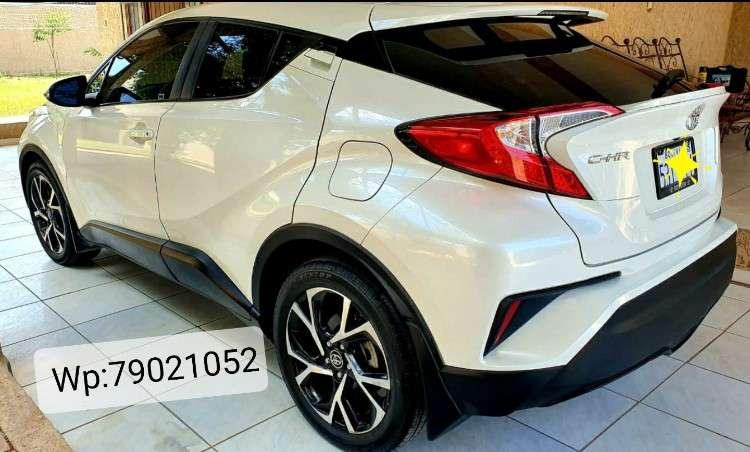 Toyota chr 2018 xle venta/permuta204718466