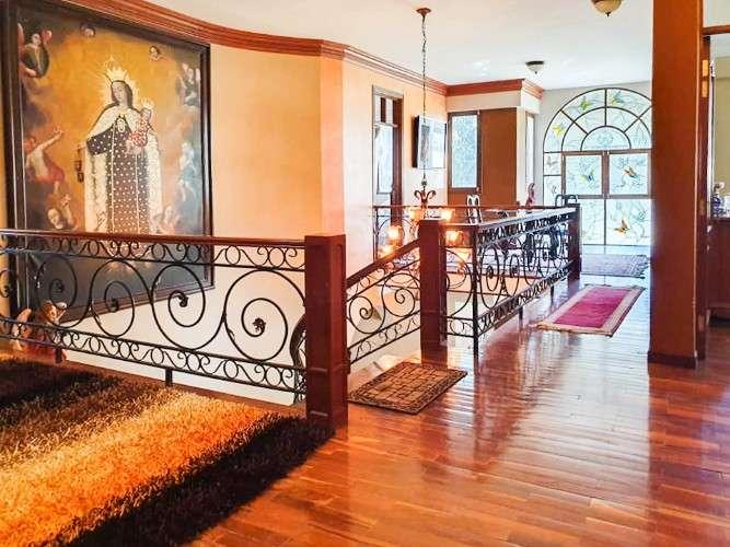 Lujosa casa con piscina en venta1072616135