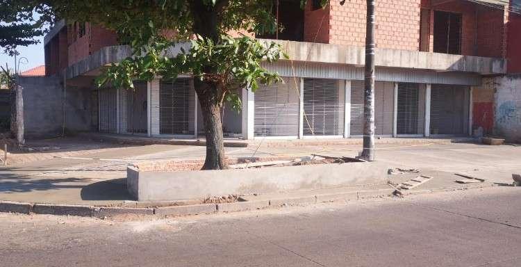 Locales comerciales en av. pirai esq. av. iberica1430197032