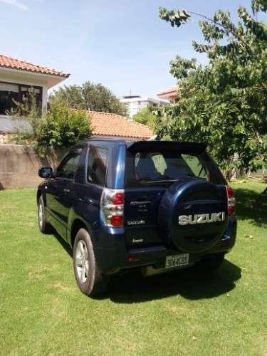 Suzuki grand vitara 4x4 de 3 puertas1726858185