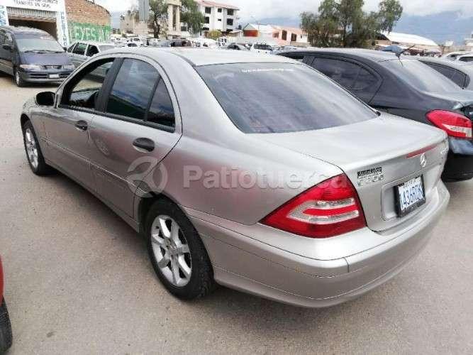 Mercedes benz c200 kompressor modelo 20061355942726