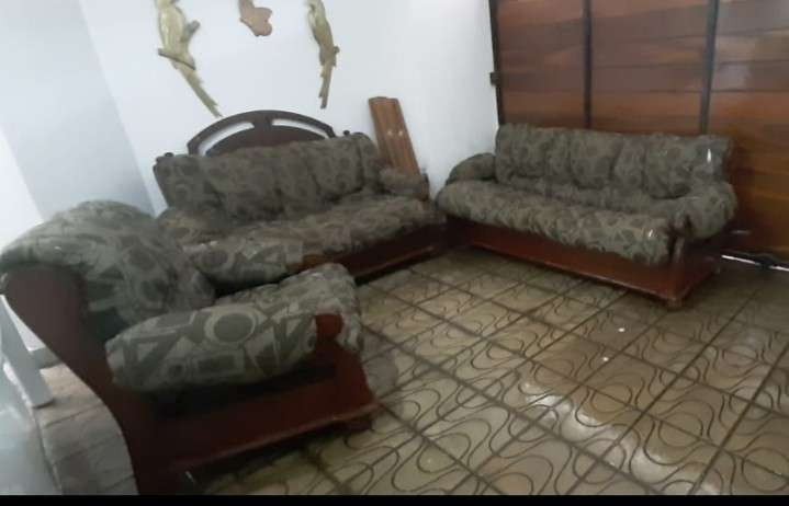 Vendo un living mueble hurtado1280401639
