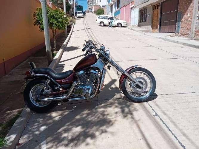 Por motivo de viaje en venta moto suzuki intruder366778366