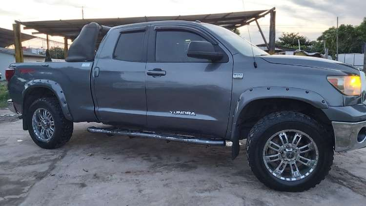 Vendo o permuto toyota tundra 2010, ful equipo 4x2, acepto permuta por vehiculo de menor precio o precio similar 912916710