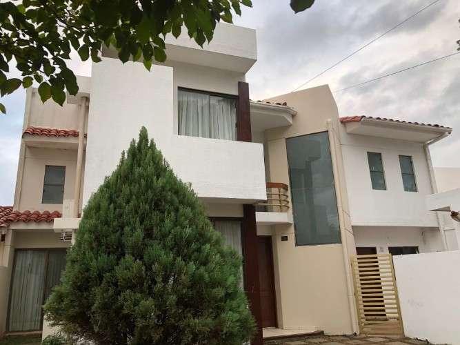 Casa súper amplia, en condominio776340626