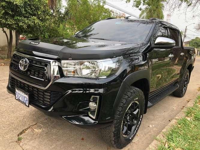 Toyota hilux 2019 la más full sacada de tienda 475023044