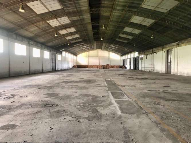 Zona norte alquilo espacioso galpón para depósito o fábrica  484787572