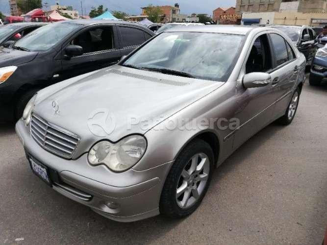 Mercedes Benz C200 Kompressor Modelo 200