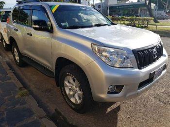Vagoneta Toyota Land Cruiser Prado Plata