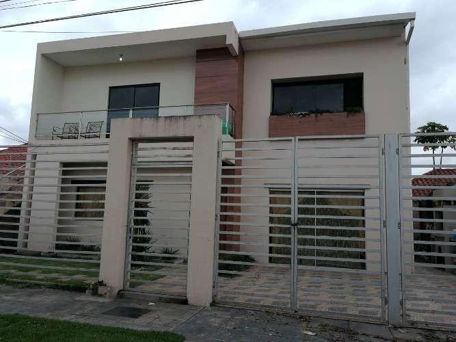Zona Santos Dumont Casa Con 2 Departamen