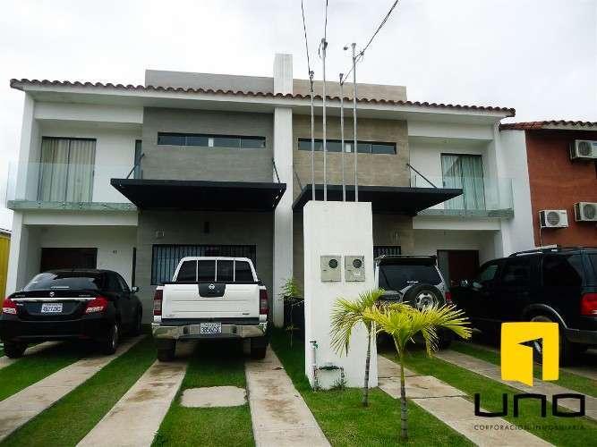 Casa En Venta, Condominio.