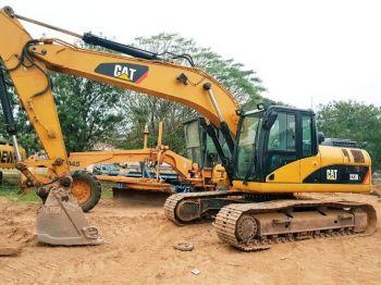 Excavadorora Caterpillar 323dl Europea,