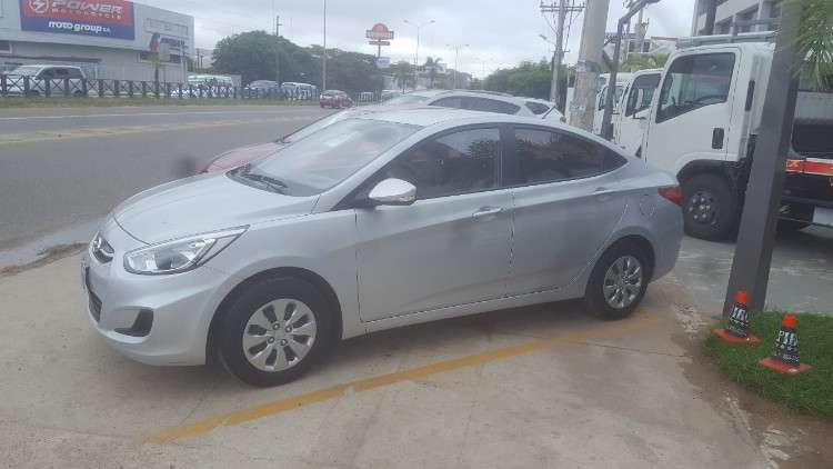 Carmax Seminuevos Ofrece Hermoso Hyundai