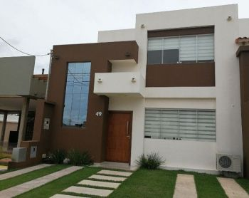 Hermosa Casa En Condominio