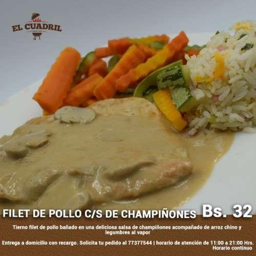 Filet De Pollo Con Salsa De Champiñones