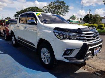 Camioneta Toyota Hilux Blanca 2016