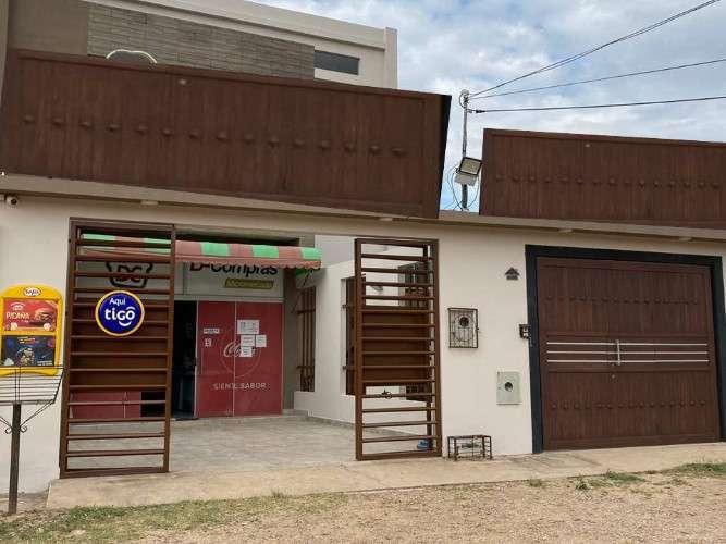 Casa De Tres Pisos Con Negocio Vendo En