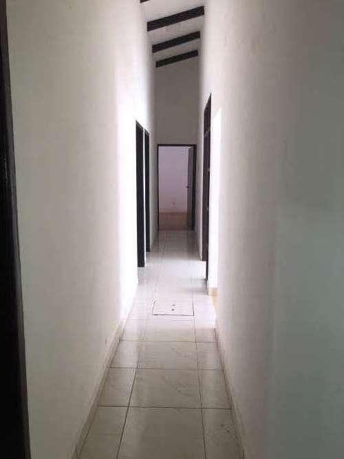En zona estratégica para empresa funcional casa de una planta191422982