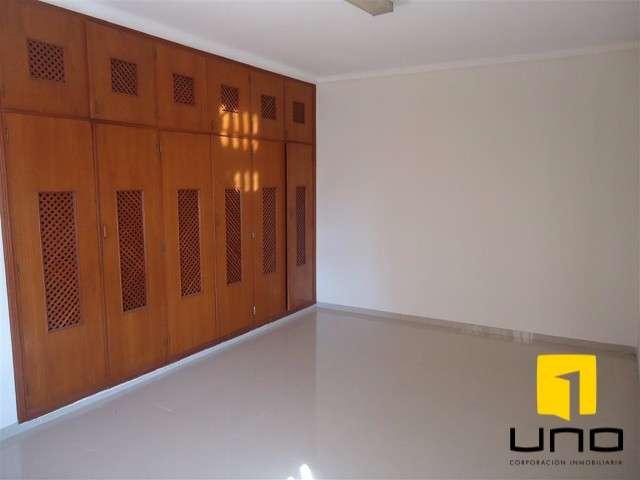 Casa en el centro ideal para negocio.390925022