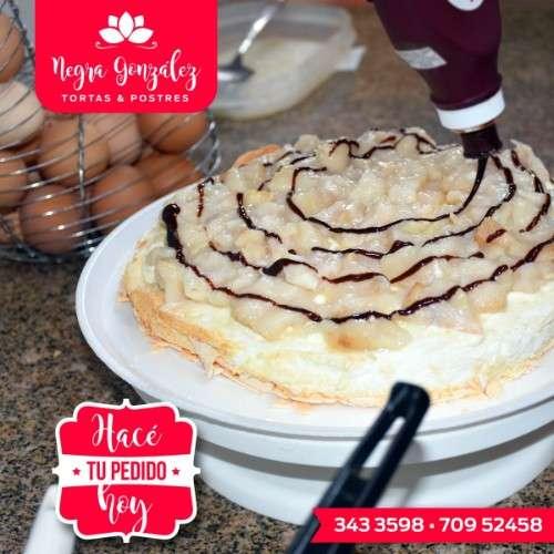 Tortas de merengue y postres418628222