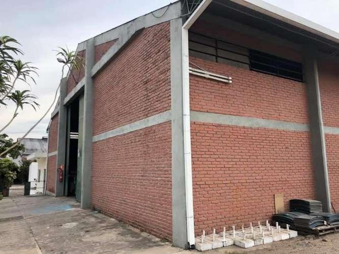 Zona sur sobre avenida galpón cubierto para depósito de empresa188209897