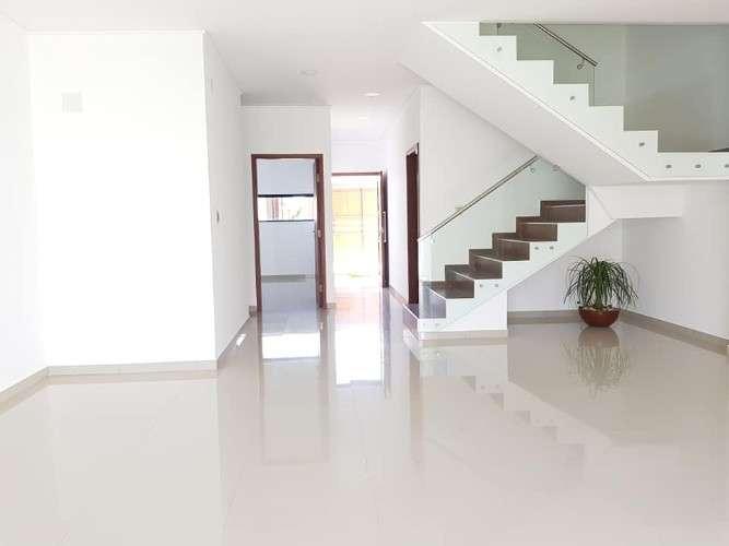 Casa de lujo a estrenar 5dormitorios-zona sur-rad 13-5to anillo-ref:01581743752