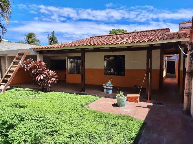 A tres cuadras de la feria barrio lindo amplia y acogedora casa de una planta1747650494