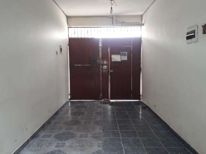 Edificio en venta con 17 habitaciones z-universitaria scz1473395775