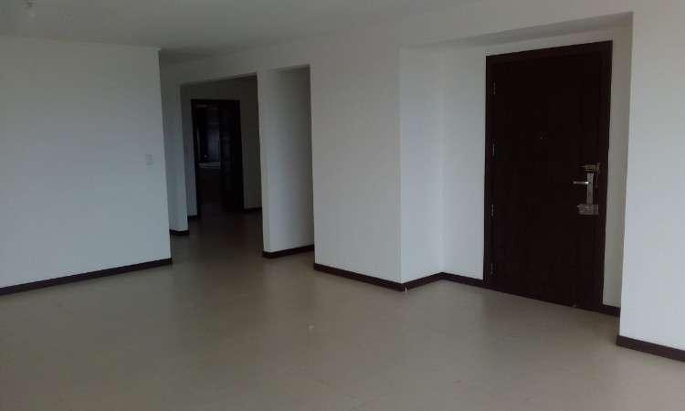 Remato hermoso departamento en barrio urbari2075592116