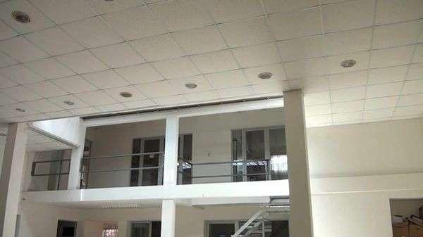 Edificio en venta o alquiler cerca del parque industrial977409757